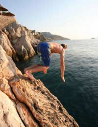 Diving Cliffs Picturesque World High